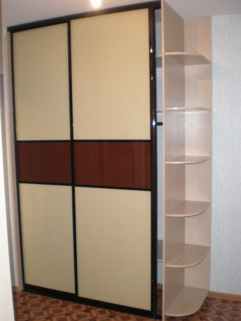 Встроенные шкафы-купе-Шкаф-купе из стекла с Oracal «Модель 119»-фото1