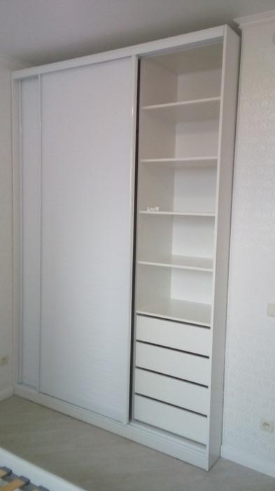 Белые шкафы-купе-Шкаф-купе из стекла  с Oracal «Модель 37»-фото2