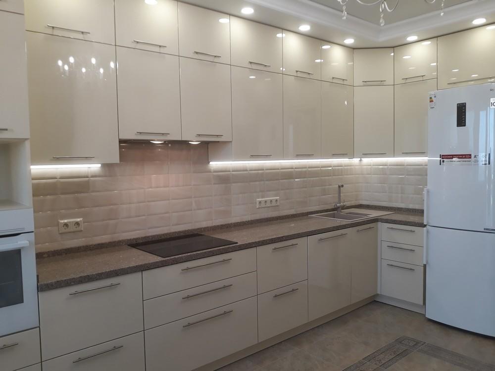 Белый кухонный гарнитур-Кухня МДФ в ПВХ «Модель 279»-фото3