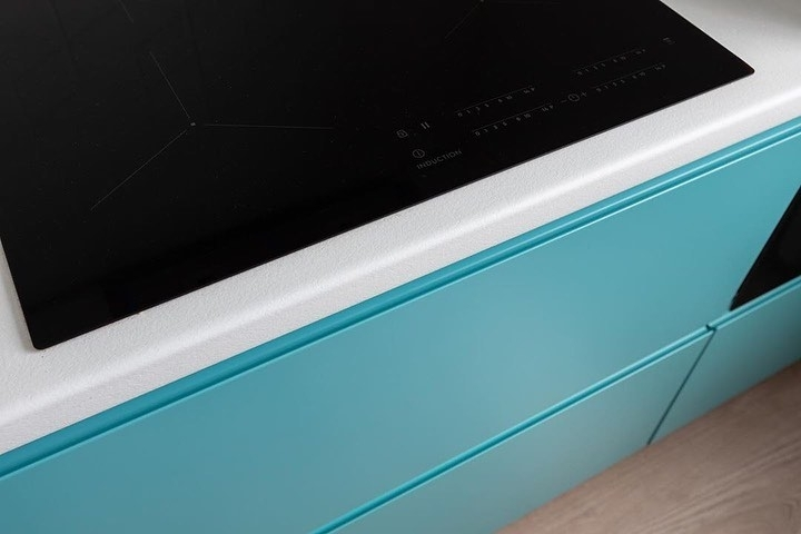 Белый кухонный гарнитур-Кухня МДФ в эмали «Модель 584»-фото8