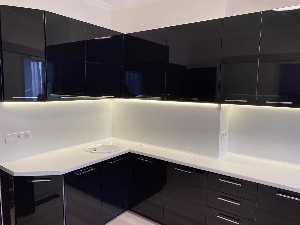 Глянцевые кухни-Кухня МДФ в ПВХ «Модель 569»-фото1