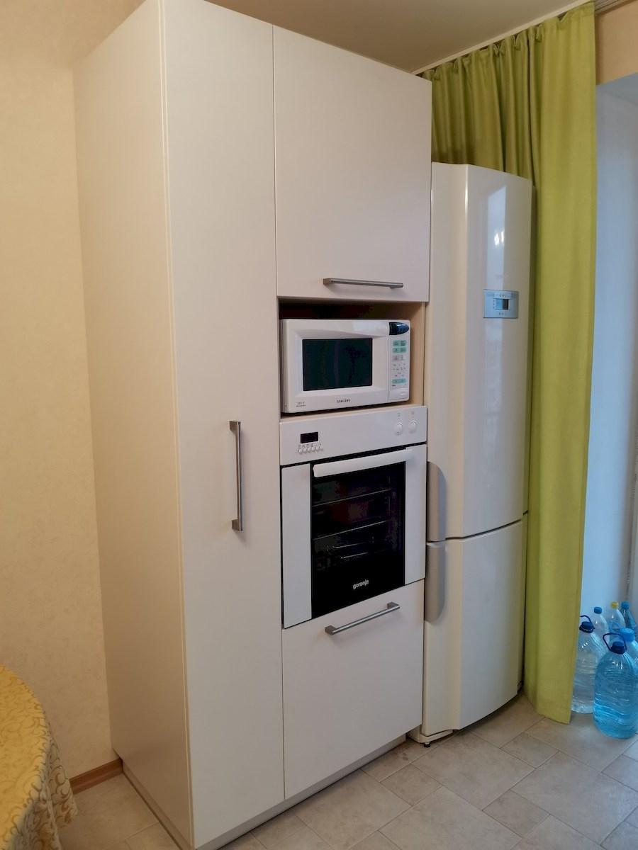 Белый кухонный гарнитур-Кухня МДФ в ПВХ «Модель 579»-фото4