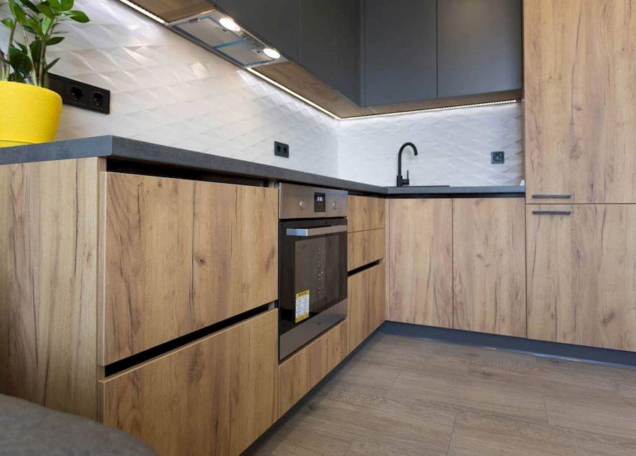 Высокие кухни под потолок-Кухня из пластика «Модель 671»-фото2